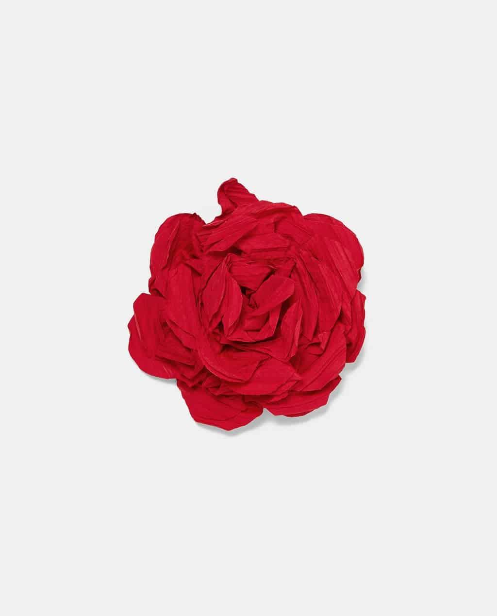 collane e fiori di stoffa Zara