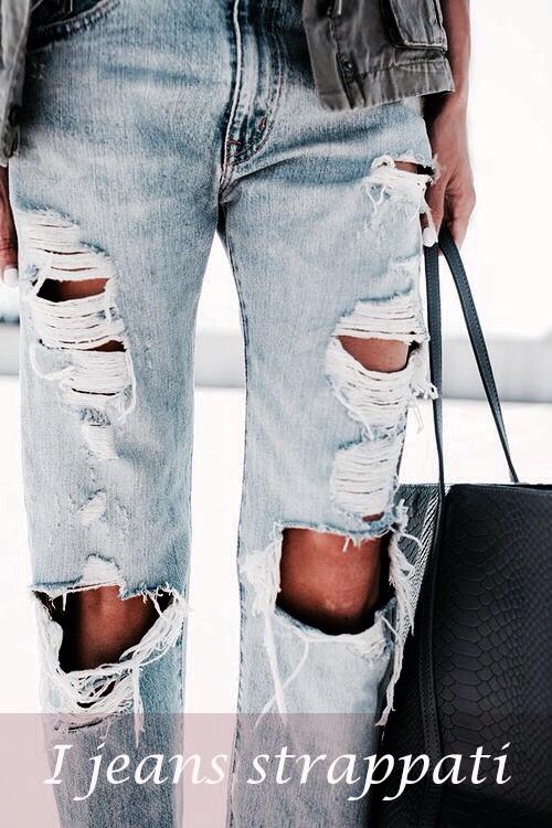 i jeans strappati