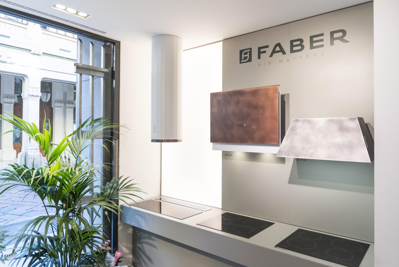 Cappe da cucina Faber: quando il living si dà delle arie
